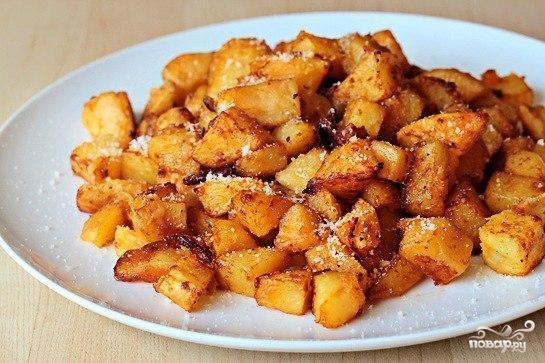 Жареный картофель с пармезаном