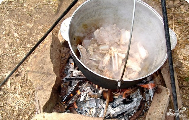 Рецепт Шурпа из свинины на костре
