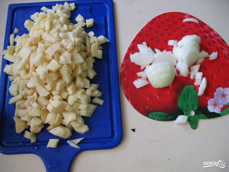 Картошка со свининой и грибами на сковороде - фото шаг 3