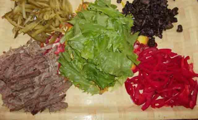 Рецепт Салат из говядины и грибов