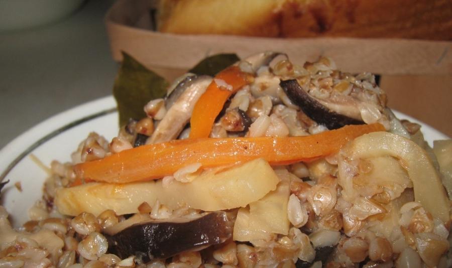 Плов из гречки с грибами - фото шаг 4