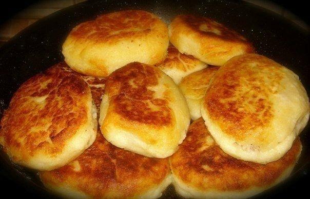 Пирожки, которые за миг съедают — быстрые картофельные пирожки с мясом