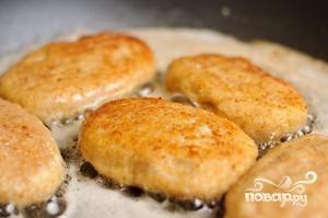 Куриные котлеты с сыром - фото шаг 8