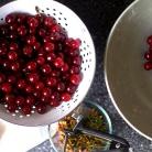 Рецепт Вишневый пирог с миндальной посыпкой