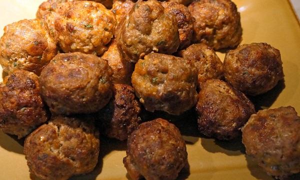 Тефтели в духовке с сыром - фото шаг 4