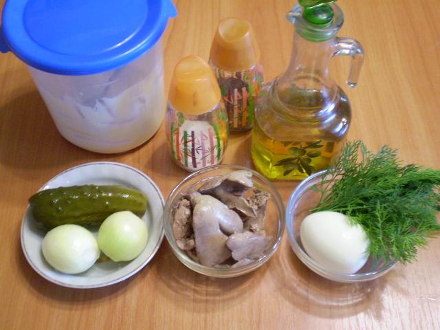 Рецепт Салат с печенью куриной слоеный