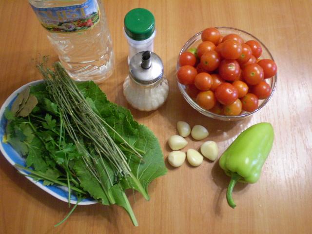 Рецепт Закатка помидоров с чесноком