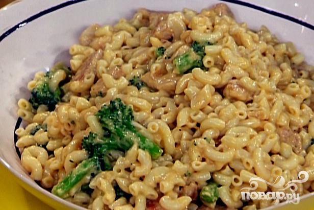 Рецепт Макароны с курицей, сыром и овощами