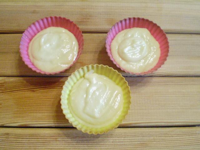 Вкусные кексики в силиконовых формочках - фото шаг 7