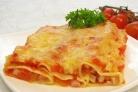 Каннеллони с беконом под томатным соусом