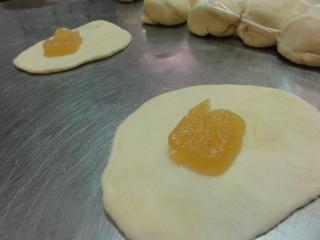 Пирожки с джемом - фото шаг 3