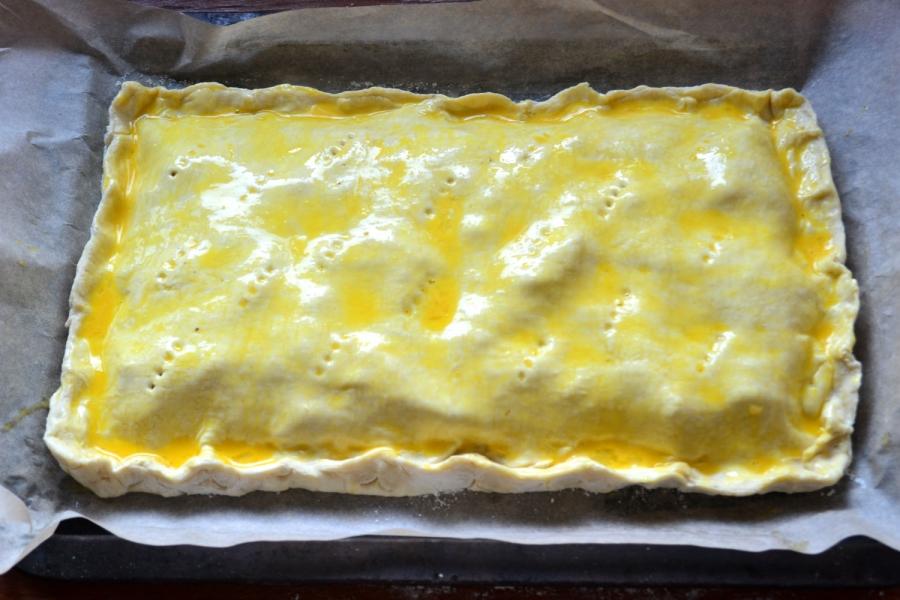 Пирог с начинкой из сыра и ветчины - фото шаг 7