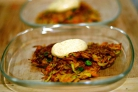 Овощные оладьи с соусом карри