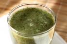 Зеленый коктейль с вишней