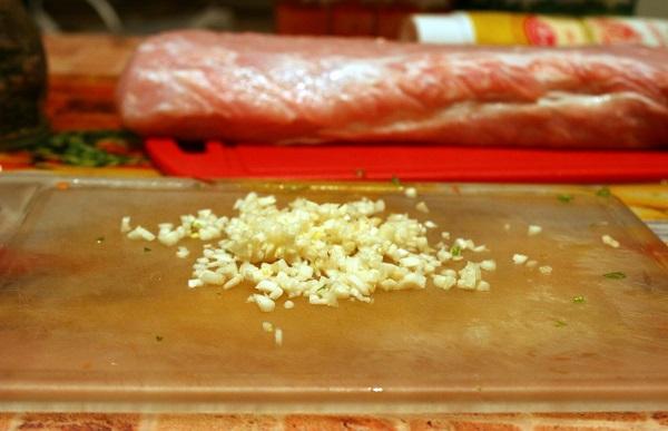 Мясной рулет в духовке - фото шаг 5