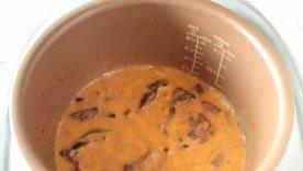 Подлива из печени со сметаной - фото шаг 8