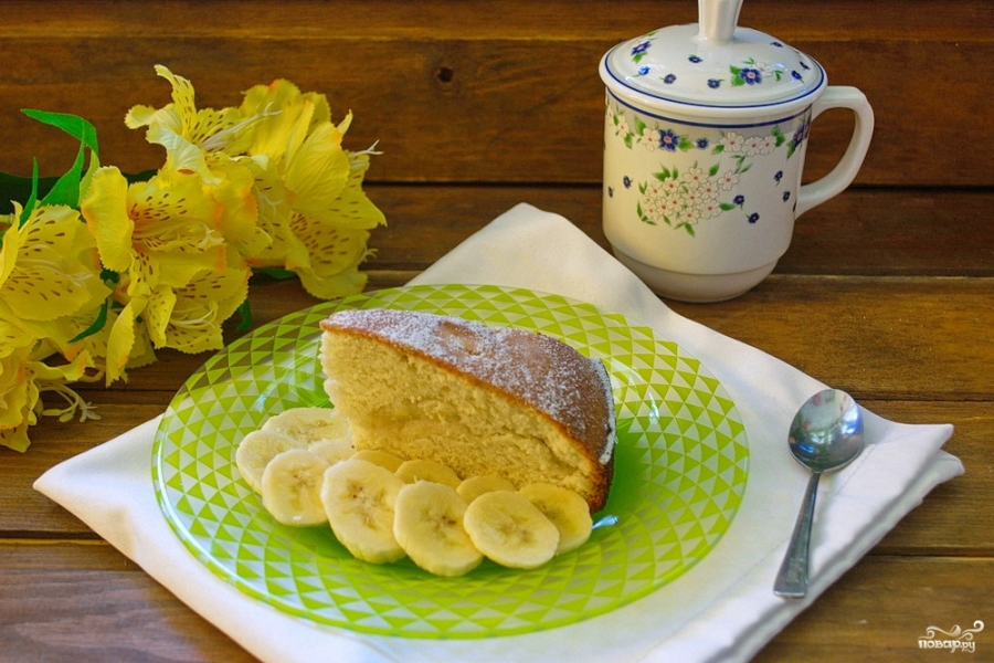 Шарлотка с бананами рецепт с фото пошагово в духовке