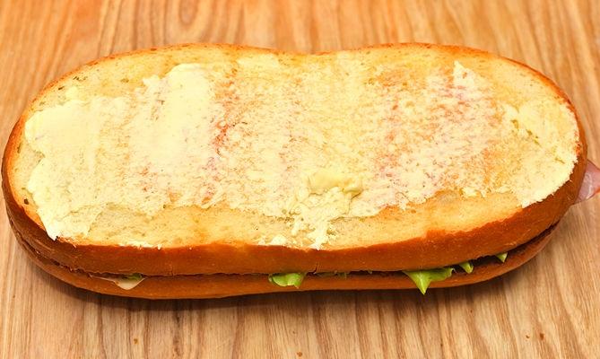 Быстрые бутерброды на стол - фото шаг 5