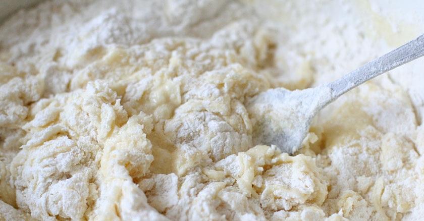 Тесто для орешков со сгущенкой - фото шаг 4