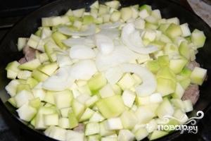 Мясо с кабачками и картофелем - фото шаг 3