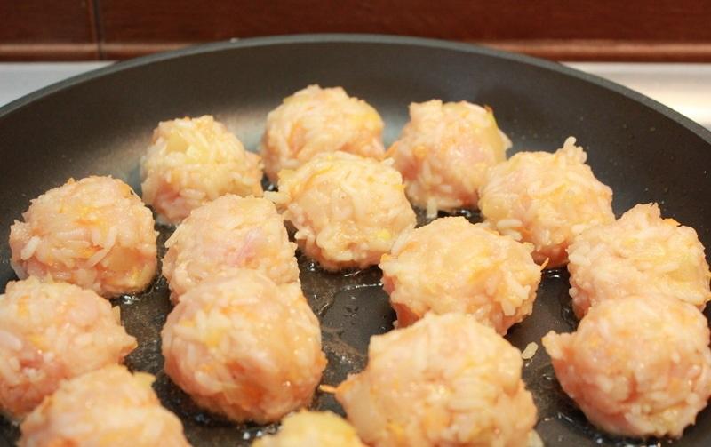 Рис с куриным фаршем и помидорами - фото шаг 2