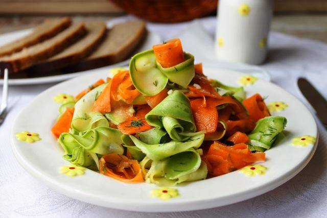 Маринованные кабачки с морковкой - фото шаг 4