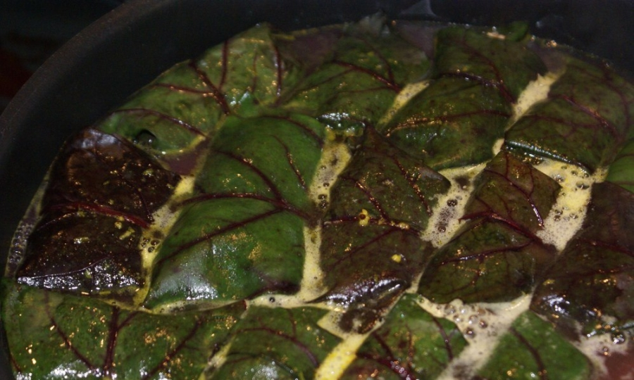 Долма из свекольных листьев - фото шаг 5