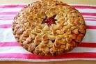 Клубничный пирог из слоеного теста