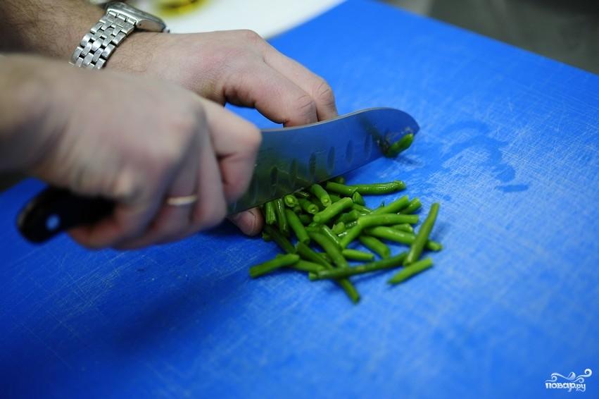 Салат из стручковой фасоли с курицей - фото шаг 3
