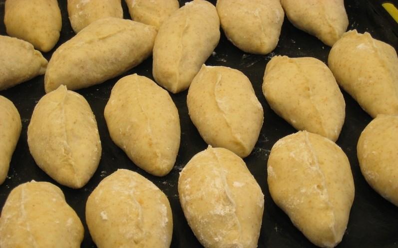 Пирожки на кефире в духовке - фото шаг 4