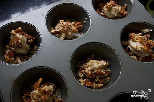 Булочки с корицей, орехами и изюмом - фото шаг 1