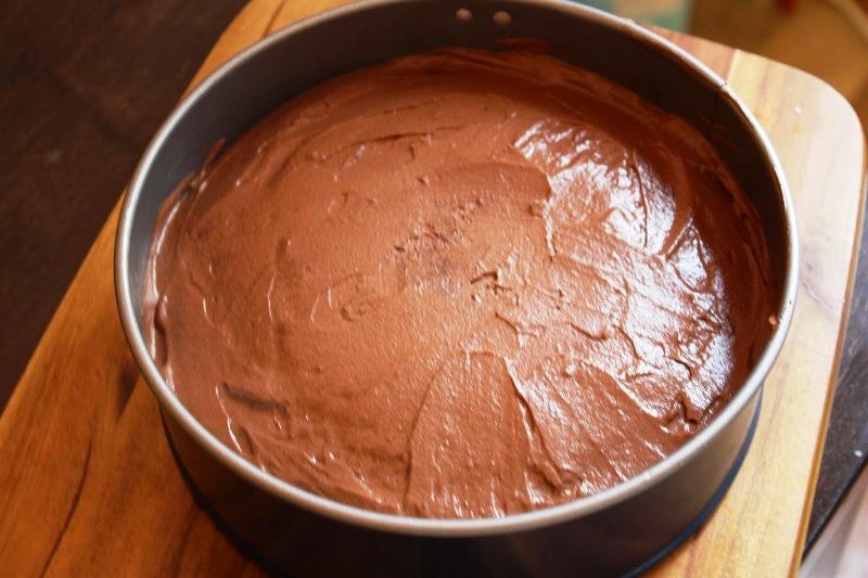 Шоколадный торт с муссом - фото шаг 8