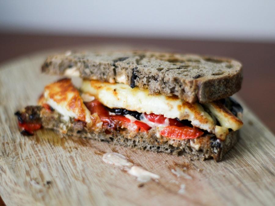 Бутерброды с баклажанами и чесноком - фото шаг 6