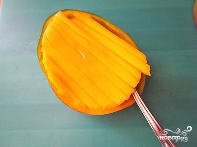 Салат с манго - фото шаг 2