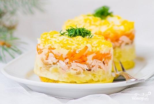"""Рецепт """"Мимоза"""" с яблоком и сыром"""