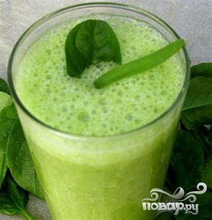 Зеленый витаминный напиток с семенами льна