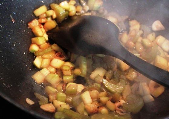 Куриный суп с крупой - фото шаг 2