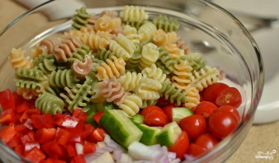 Итальянский салат с пастой - фото шаг 3