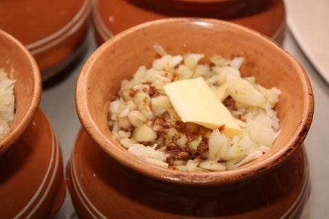 Картофель с говядиной в духовке - фото шаг 5