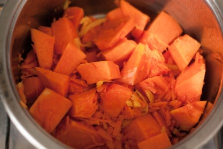 Вегетарианский суп-пюре из тыквы - фото шаг 3