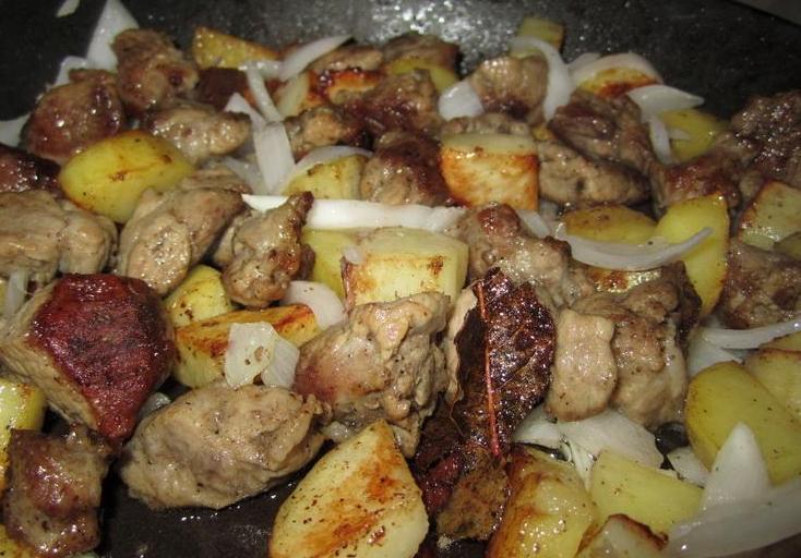 Свинина с капустой и картошкой - фото шаг 5