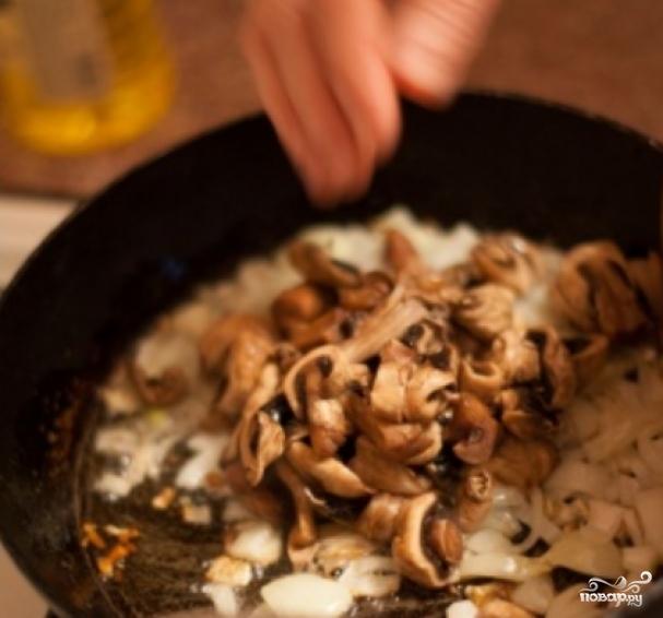 Галушки с грибами