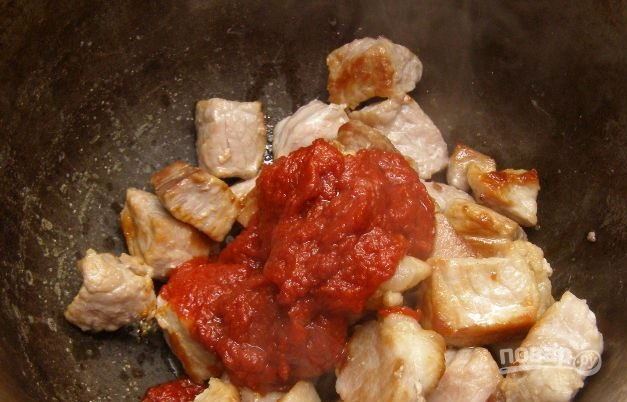 Мясо, тушенное в сметане - фото шаг 3
