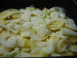 Лисички, запеченные в духовке с овощами - фото шаг 3