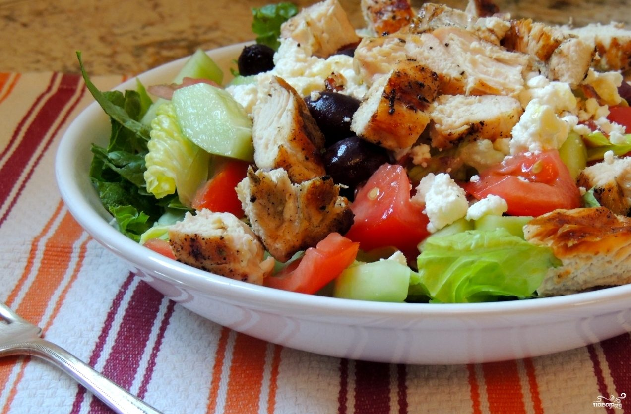 Рецепт Салат греческий с курицей