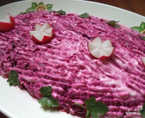 Салат со свеклой и свининой