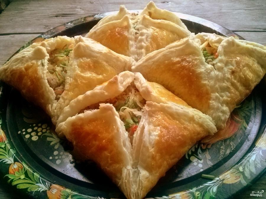 слоёные пироги с капустой