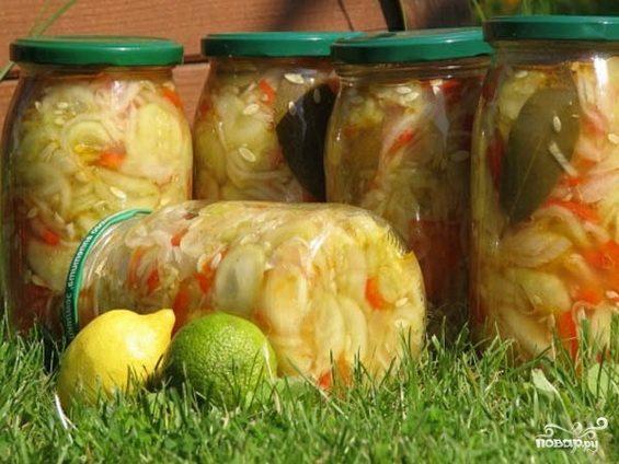 Вкусный салат из помидоров и огурцы на зиму