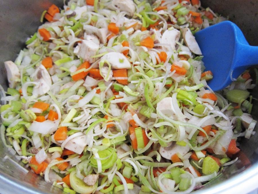 Мясное рагу с овощами - фото шаг 4