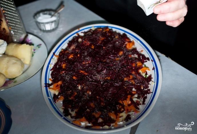 Салат из скумбрии холодного копчения - фото шаг 7